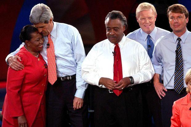 Carol Moseley Braun et avec John Kerry, Al Sharpton, Dick Gephardt et John Edwards, en octobre 2003.