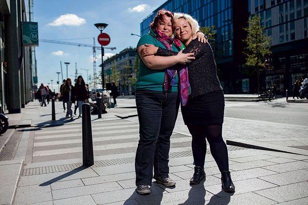 Stéphanie Zarev (à g.) et Caroline Langlade, présidente de l'association Life for Paris. Deux survivantes du Bataclan qui ne se connaissaient pas mais qui sont aujourd'hui inséparables.