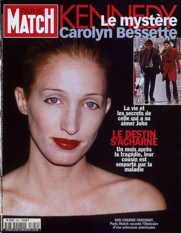 Carolyn Bessette Kennedy en couverture de Paris Match n°2622, daté du 26 août 1999.