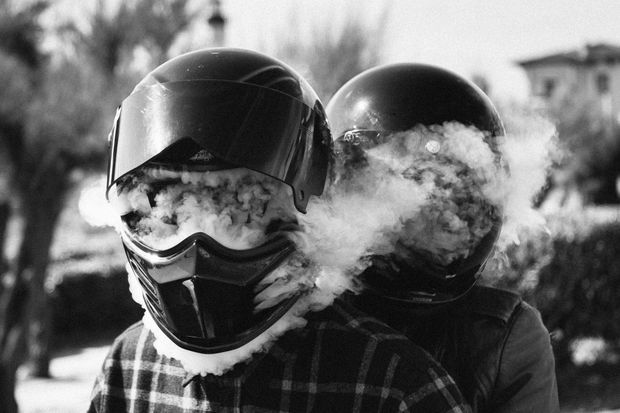 Une idée fumeuse de la moto.