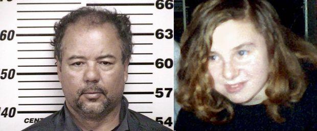 La photo anthropométrique d'Ariel Castro, inculpé de viol, enlèvements et meurtres aggravés. Dans l'Ohio, l'interruption illégale de grossesse par un tiers est considérée comme un meurtre. Michelle Knight, en 1999. Elle a 19 ans et un enfant né des suites d'un viol collectif. Elle sera la première enlevée trois ans plus tard.