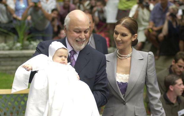 Céline Dion et René Angelil au baptême de leur fils René-Charles, en juillet 2001 à Montréal.