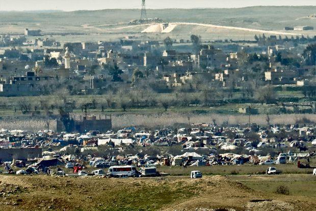 Cette fois, il n'y aura pas de corridor humanitaire. Il resterait quelques jours aux milliers de civils encore présents dans le camp de Daech pour se rendre et échapper au tapis de bombes.