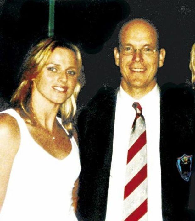 La première photo de Charlene Wittstock et Albert de Monaco ensemble, au meeting de Mare Nostrum, en juillet 2001.