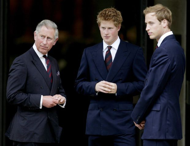 Avec ses fils, Harry et William, en 2007