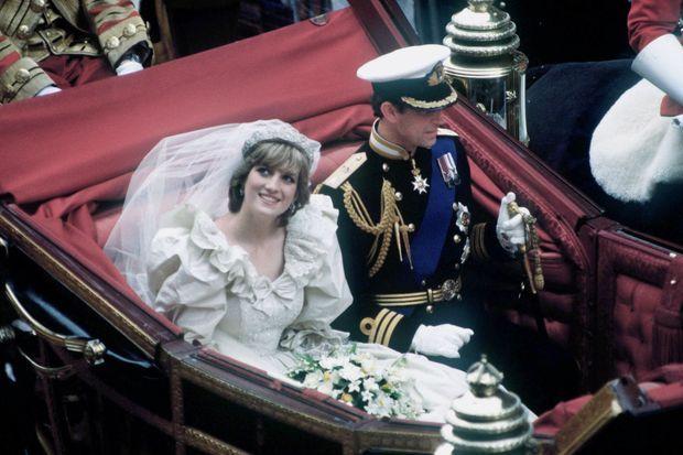 Lady Di et le prince Charles le jour de leur noces.