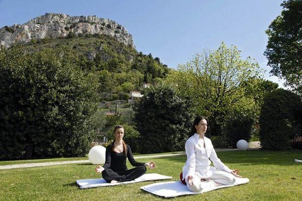 Un temple du bien-être où la pratique du yoga est reine