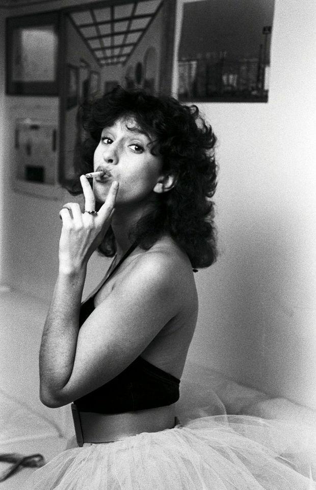 Chez elle à Paris, en 1982, l'année de la sortie au cinéma du « Père Noël »,
