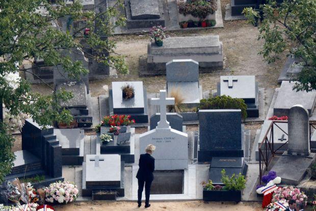 Claude Chirac n'arrive pas à quitter son père...