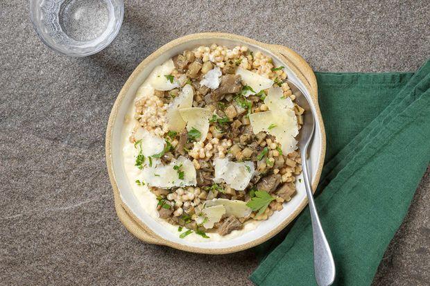 Le risotto de fregola sarda, céleri et crème de cantal de Chloé Charles.