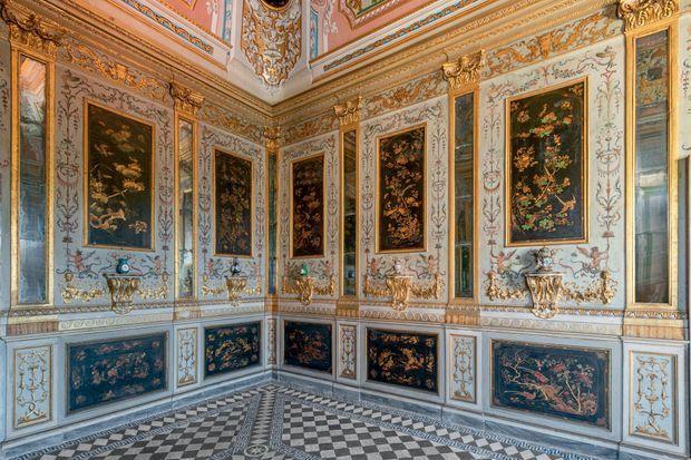 Christian Dior va contribuer au financement de la restauration par la Fondation Torlonia des laques chinoises du XVIIIe siècle, de la villa Albani-Torlonia.