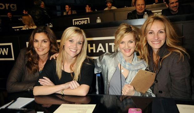 Cindy Crawford Reese Witherspoon, Drew Barrymore et Julia Roberts au téléthon hope for haiti-