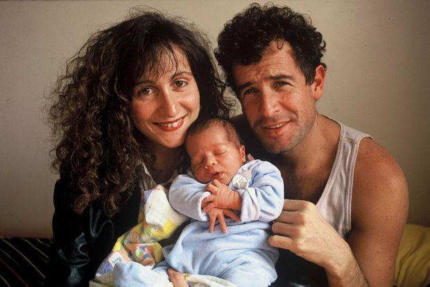 Johnny Clegg avec son épouse Jenny et leur fils Jesse, né le 25 juillet 1988 à Johannesburg.
