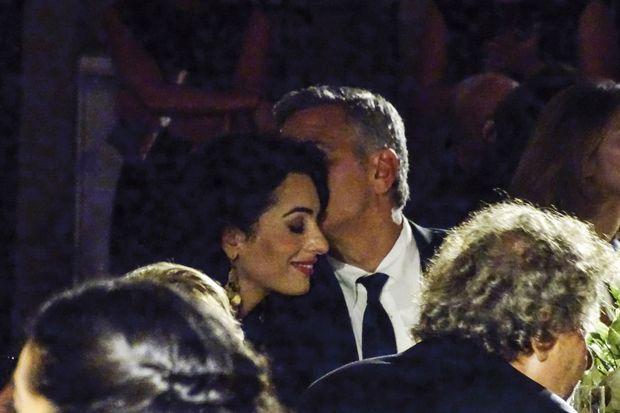 Un couple complice et amoureux. Entre eux tout est allé très vite : ils se sont rencontrés en octobre dernier.