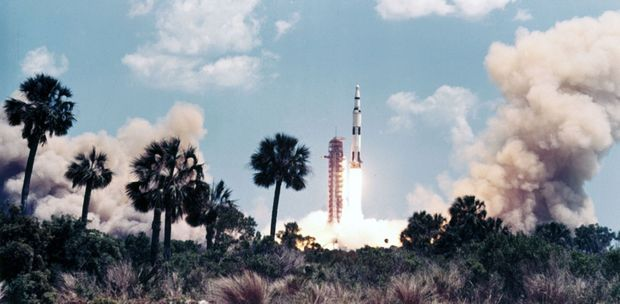 Lancement d'Apollo 16 mission, le 19 avril 1972.