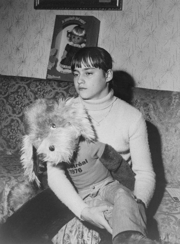Nadia Comaneci, chez elle à Bucarest, après sa victoire aux Jeux olympiques d'été de 1976 à Montréal.