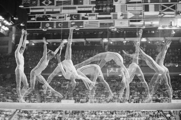 Nadia Comaneci aux Jeux olympiques d'été de 1976 à Montréal.