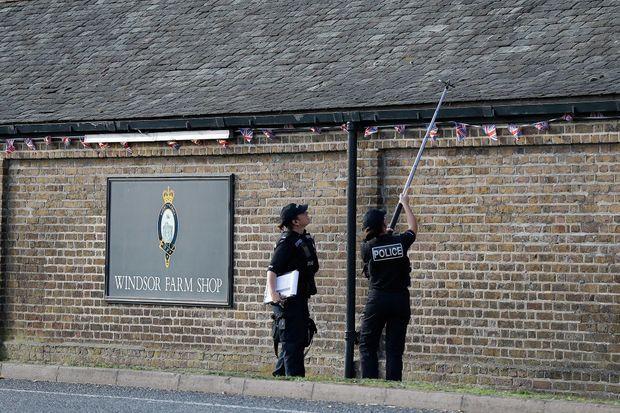 Surveillance policière à deux jours du mariage de la princesse Eugenie à Windsor.