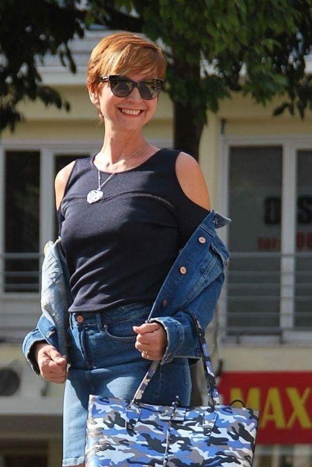 À 54 ans, Corinne Ascione a vaincu sa timidité. Aujourd'hui, elle défile même parfois pour ses amies créatrices...