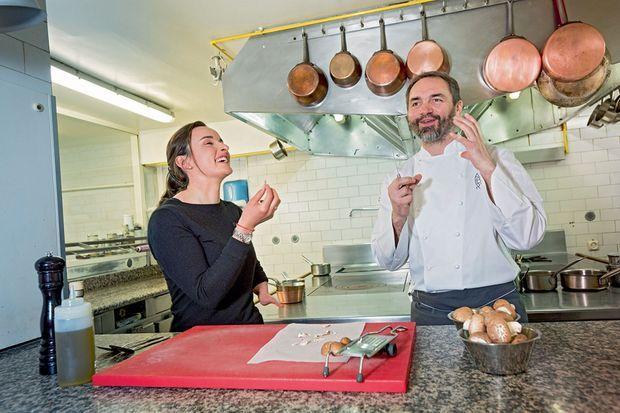 Cours de rattrapage gastronomique avec Christophe Aribert, chef deux fois étoilé du Grand Hôtel d'Uriage.