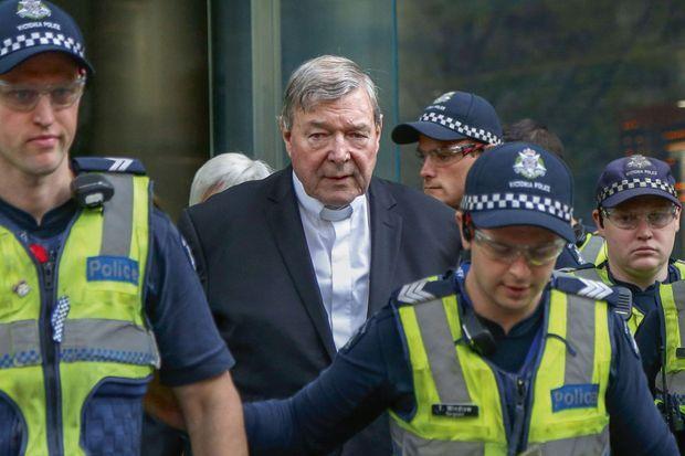 Melbourne (Australie), mai 2018. Le cardinal George Pell , chargé par le Pape d'enquêter sur les finances du Vatican, se retrouve accusé - sans preuves- de pédophilie.