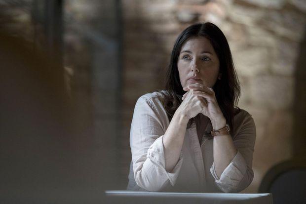"""Cristiana Reali (Claire) dans """"Noces Rouges""""."""