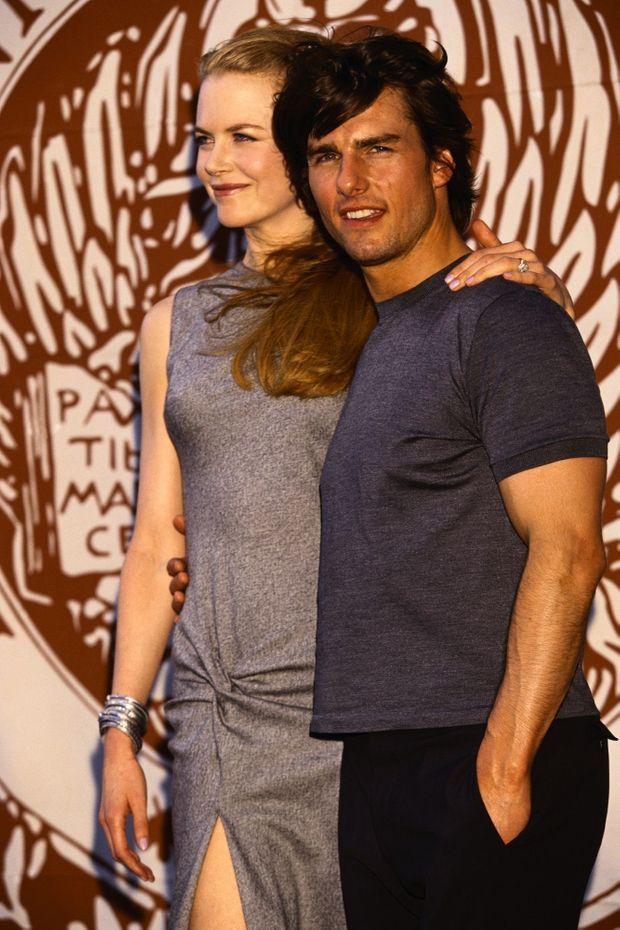 «Tous les yeux, grands ouverts, étaient fixés sur Tom Cruise et Nicole Kidman, radieux, à la 56e Mostra de Venise. Les exigences du tournage sous la direction despotique de Stanley Kubrick n'ont fait que renforcer leur amour.» - Paris Match n°2625, 16 septembre 1999