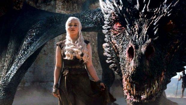 Daenerys, la mère des dragons (Emilia Clarke)