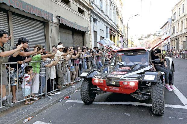 L'asphalte, enfin, pour le tour d'honneur dans les rues de Valparaiso !