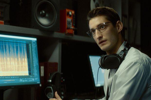 Dans «Boîte noire », de Yann Gozlan, Pierre Niney incarne Mathieu Vasseur, un acousticien qui enquête sur un crash aérien,.