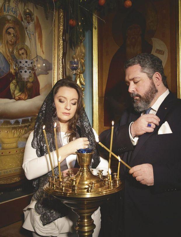 Dans l'église de l'Icône-de-la-Mère-de-Dieu. En juillet, Rebecca Virginia Bettarini a adopté la religion de son futur mari.
