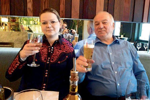Dans le restaurant Zizzi pour fêter l'arrivée récente de sa fille Ioulia en provenance de Moscou.