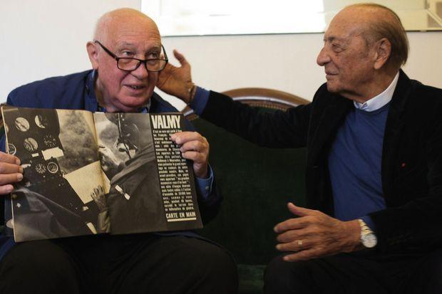 Dans les mains de Depardon, un exemplaire de « TAM » et l'une de ses photos en double page. Séguéla : « Quelle modernité, cette maquette ! »