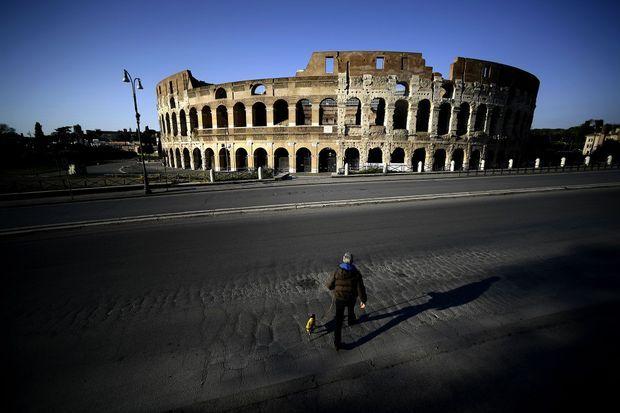 Dans Rome déserte, le 3 avril.