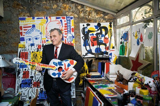 Dans son atelier parisien, Jean-Charles de Castelbajac