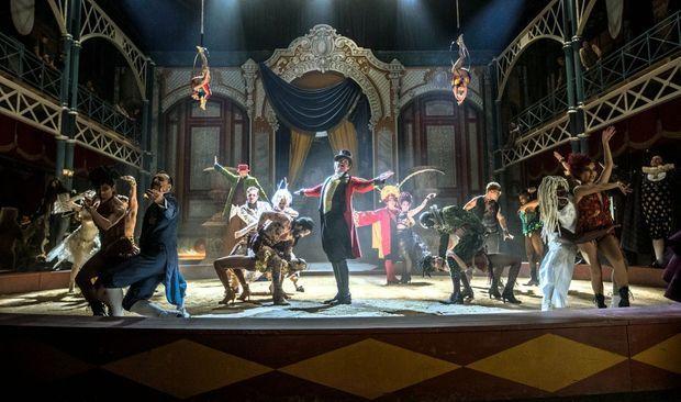 Dans « The Greatest Showman », il est Barnum, l'homme qui a révolutionné le cirque