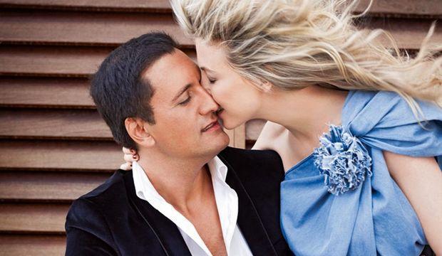Emportés par l'amour... Avant de rencontrer Nathalie, Dany était un divorcé solitaire qui appréhendait une nouvelle vie de couple. Désormais, il ne peut plus se passer d'elle.