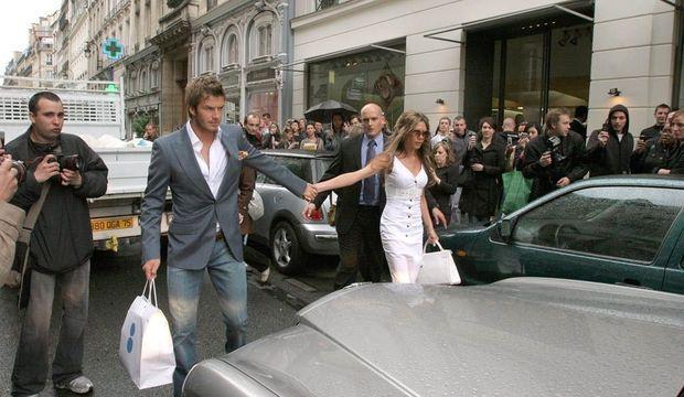 David et Victoria Beckham rue Saint-Honoré à Paris en 2006-