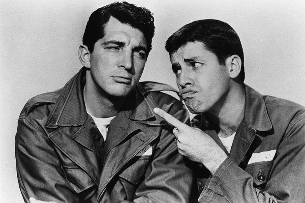 """Dean Martin et Jerry Lewis dans """"Parachutiste malgré lui"""", en 1952."""
