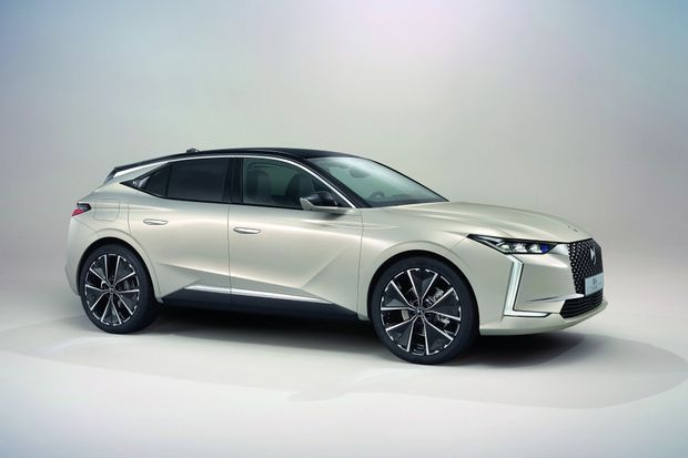 Déclinée en trois versions (Classique, Cross et Performance Line), la belle française ose un style à mi-chemin entre coupé et SUV.