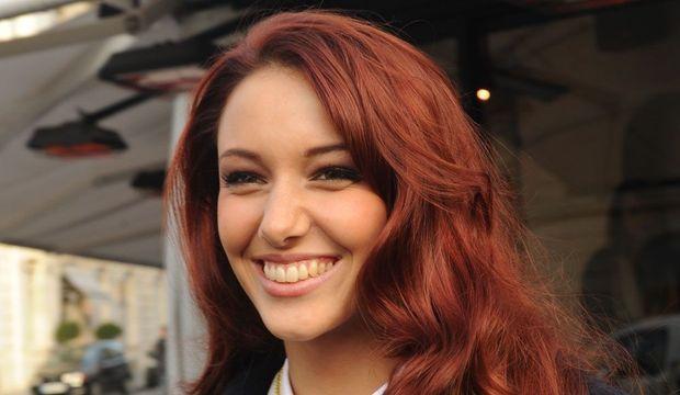 Delphine-Wespiser-Miss-France-2011-