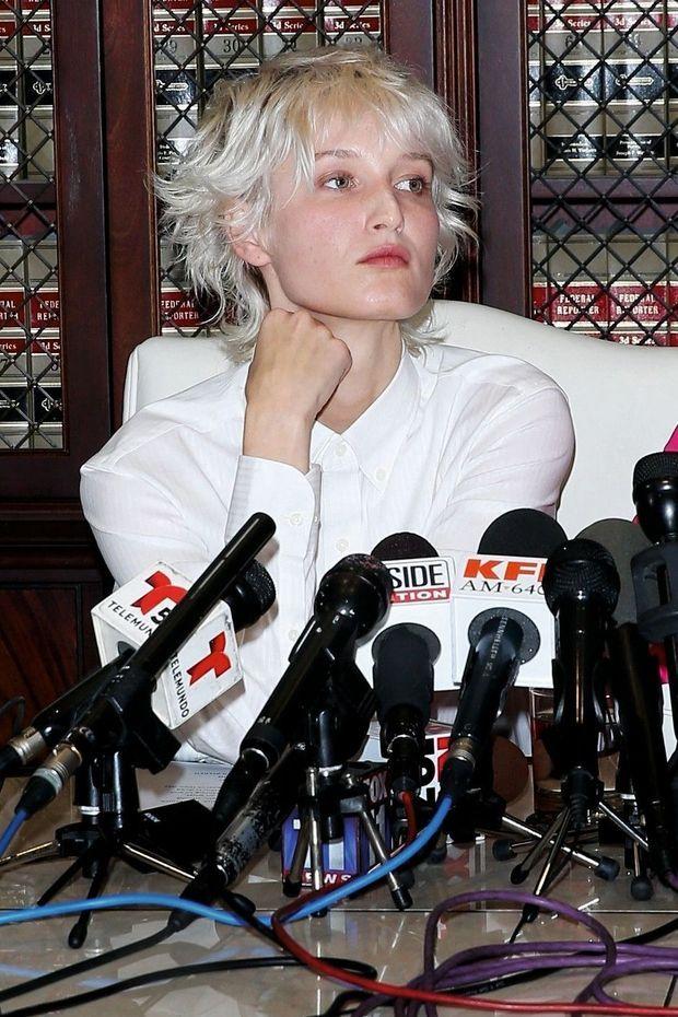 Dernière victime à avoir témoigné, le 18 novembre, lors d'une conférence de presse. Elle dit avoir été violée par Epstein, à 15 ans, dans son ranch du Nouveau-Mexique.