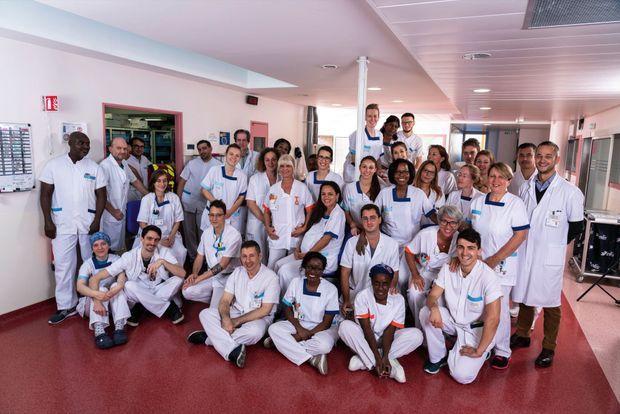 Des médecins au personnel d'entretien : l'équipe présente ce mercredi 10 octobre à 10 h 30 au service réanimation du 1er étage de Gustave-Roussy