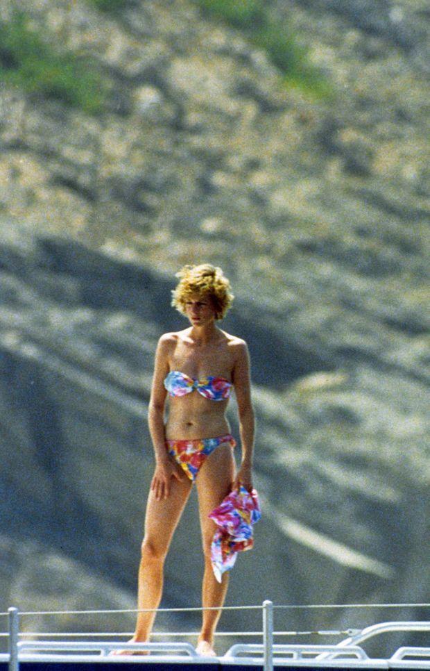 Diana en vacances dans le sud de la France en juillet 1996, au lendemain de son accord avec Charles sur leur divorce.