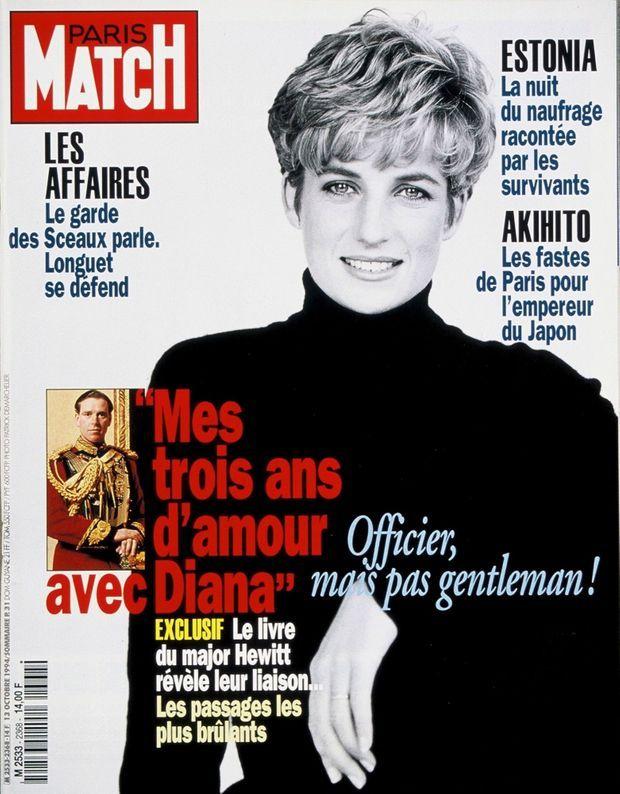 « Mes trois ans d'amour avec Diana », le livre scandale du major Hewitt en couverture de Paris Match n°2368, 13 octobre 1994.
