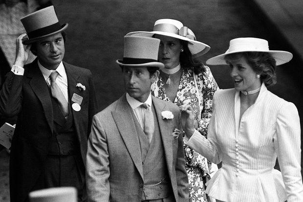 Le prince Charles et Diana, suivie d'Oliver Hoare et de son épouse Diane, lors du Royal Ascot de 1986.
