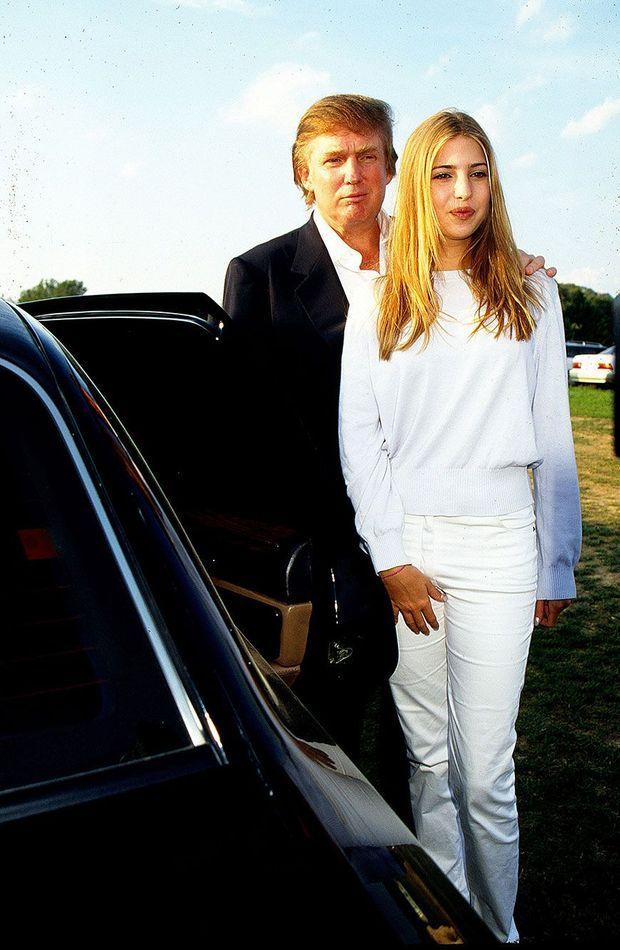 Donald Trump et sa fille Ivanka lors d'un tournoi de polo dans les Hamptons, en 1997.