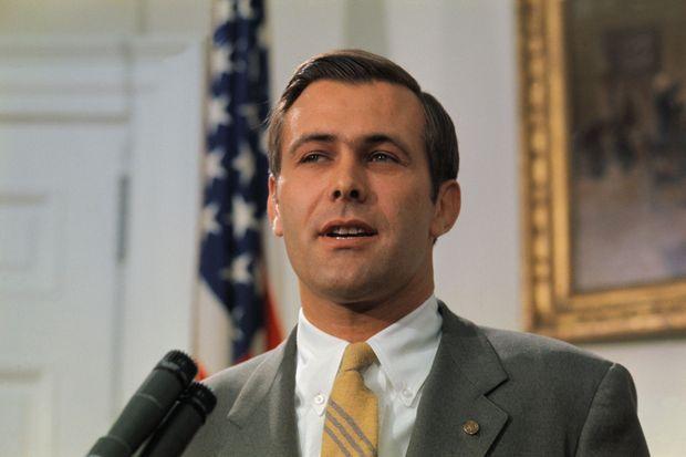 Donald Rumsfeld, alors représentant de l'Illinois à la Chambre, en avril 1969.