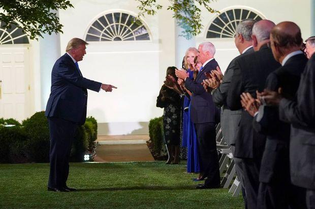Donald Trump à la Maison-Blanche avant le discours de son épouse Melania, mardi soir.
