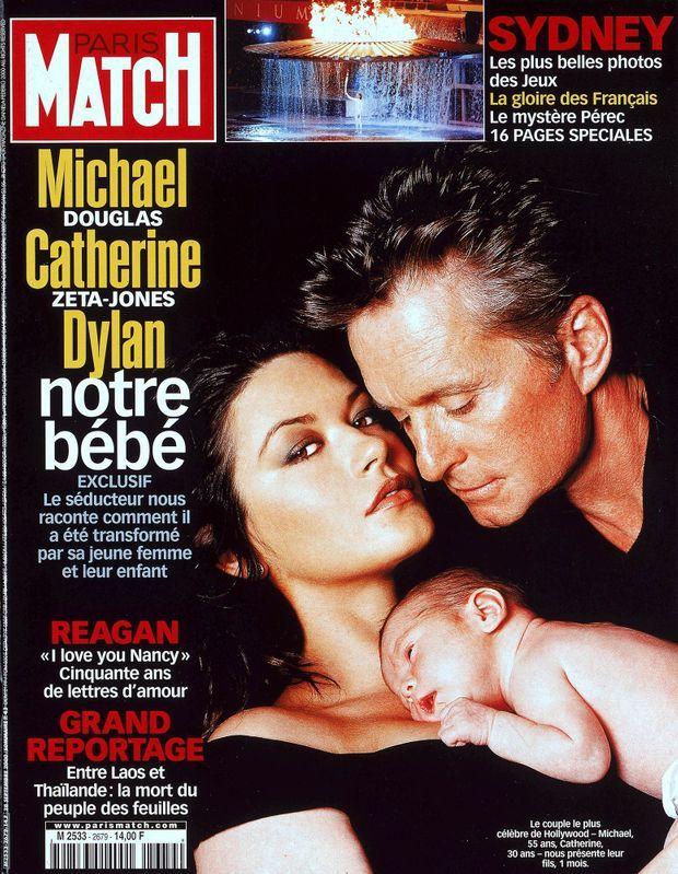 « Michael Douglas, Catherine Zeta-Jones : Dylan, notre bébé » - Paris Match n°2679, 28 septembre 2000